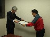 (写真右:株式会社エンチョー常務取締役三浦和平)